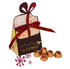 Bolsa acompañada de chocolates