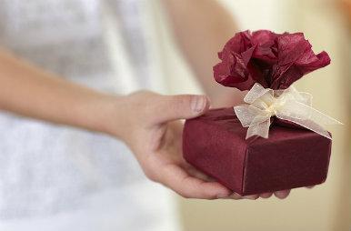 El objetivo de los regalos empresariales es generar una buena imagen de marca para que se retribuya en beneficios puntuales.