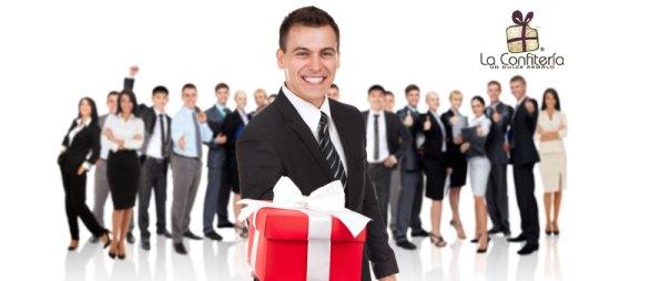 Los regalos empresariales contribuyen a generar recordación de marca en los clientes, empleados o colaboradores.