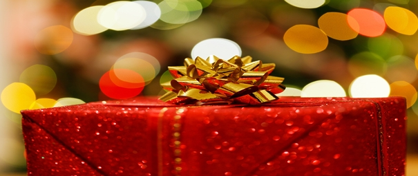 Regalo navideño rojo con moño